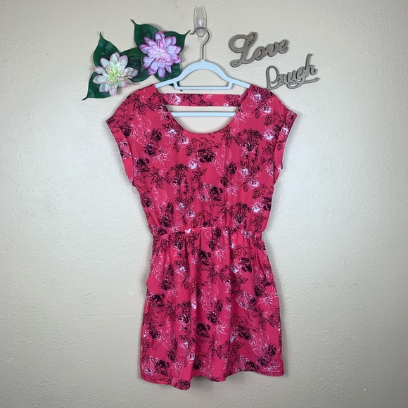 Candie's Dresses & Skirts - Candie's Floral Print Mini Dress With Pockets